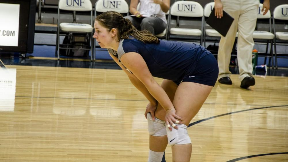 Baran Digs Herself to Another Record for UNF Volleyball