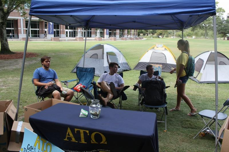Alpha Tau Omega reaches out to Jacksonville homeless