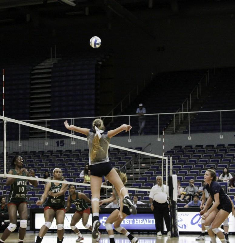 UNF volleyball can't get away from .500 record