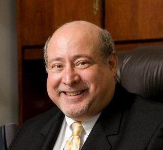 Professor Paul Mason chosen as acting dean for Coggin College