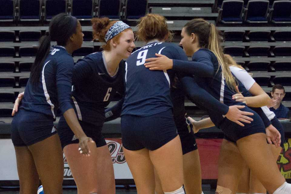 UNF volleyball wins Courtyard Mayo Classic with victory against FAU