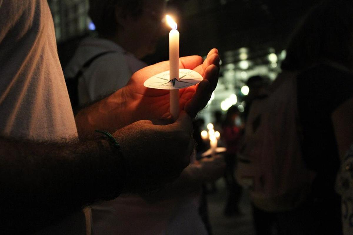 UNF candle light vigil for victims in Orlando