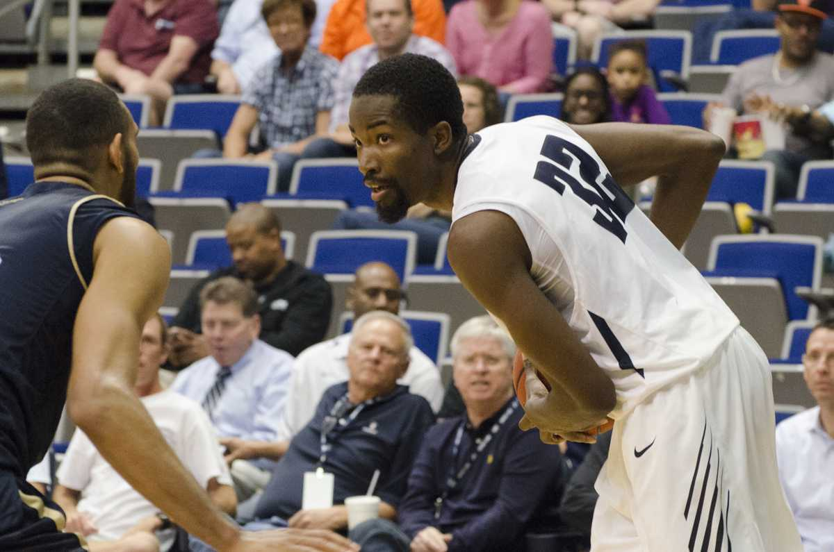 Hotshot men's basketball team defeats FIU 94-72 for sixth straight win at home