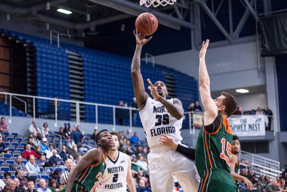 Men's basketball trounces Florida A&M 87-70, remains undefeated at home