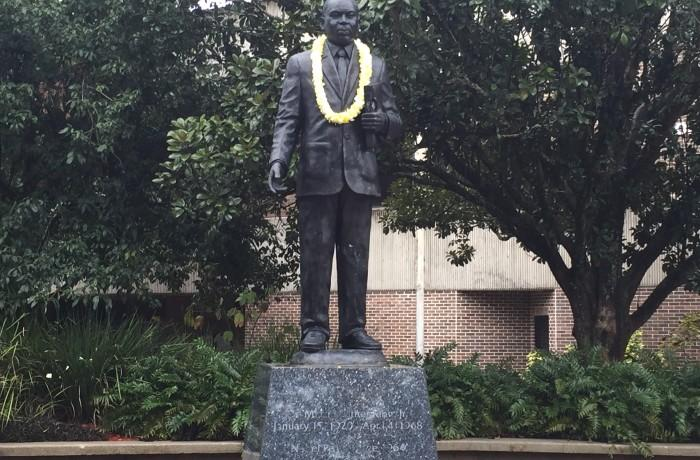 To close out the celebration, a lei was garlanded onto the statue of Martin Luther King Jr. in UNF's Peace Plaza.  Photo by Jordan Perez