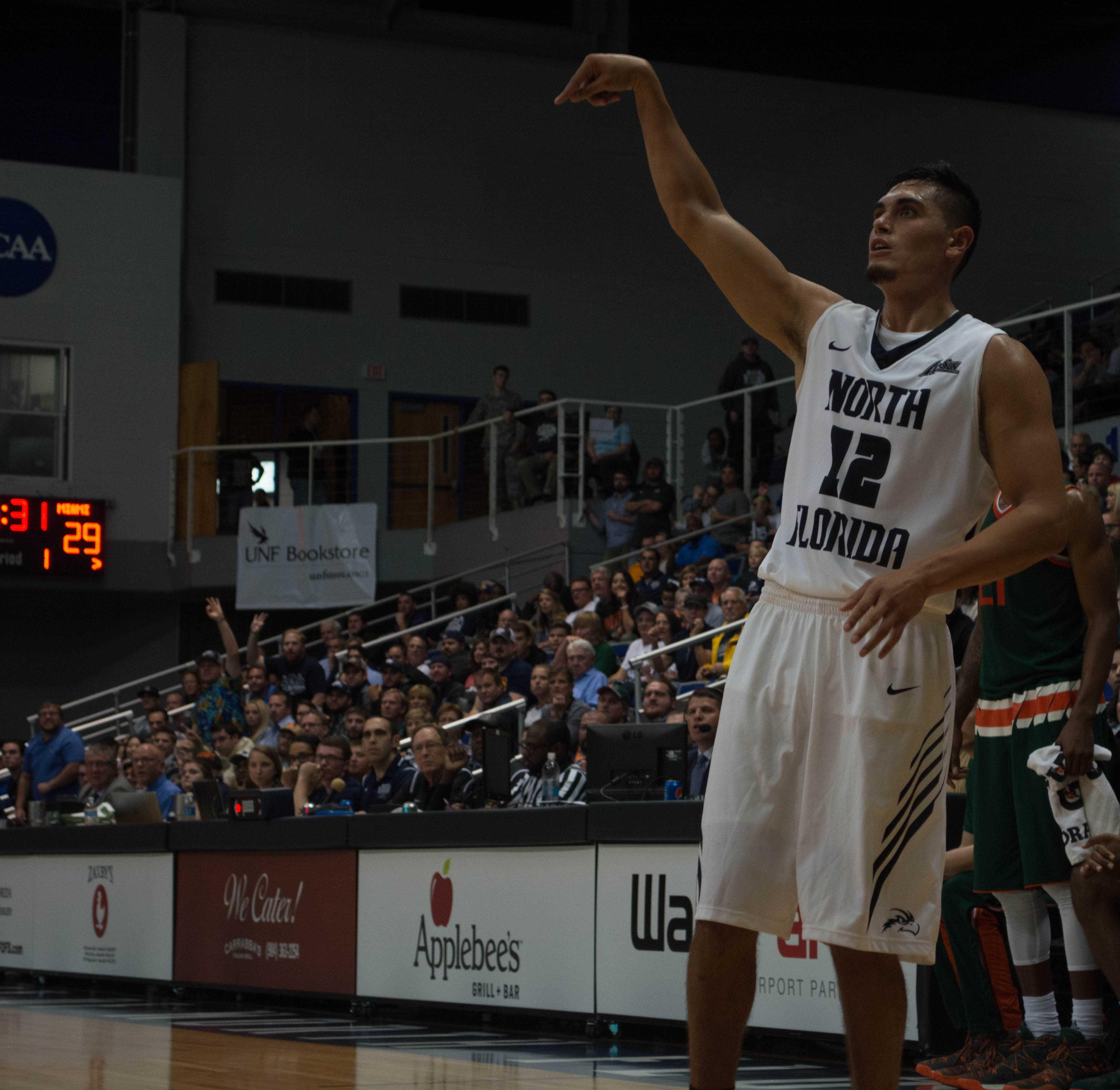 LSU hangs on to beat North Florida 78-70