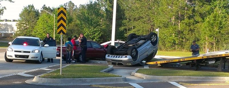 Two cars involved in an accident on Central Parkway. Photo by Jacob Harn