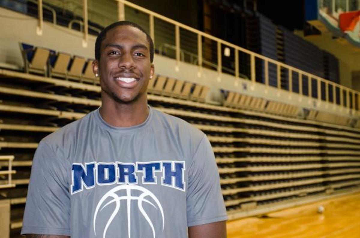 UNF center beats odds: Romelo Banks' path to D-I starter ...
