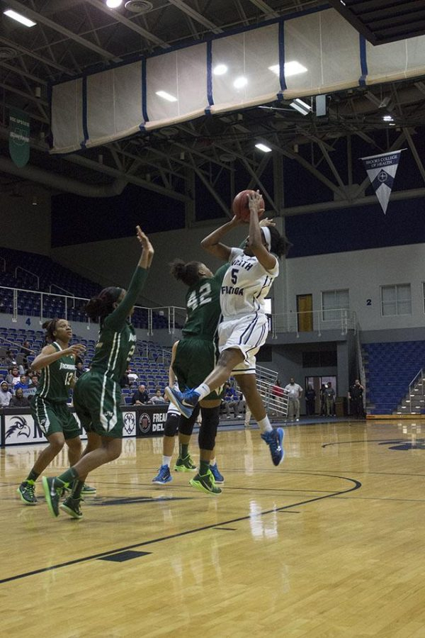 Smith surpasses 1,000 career point, yet UNF falls to JU 68-56