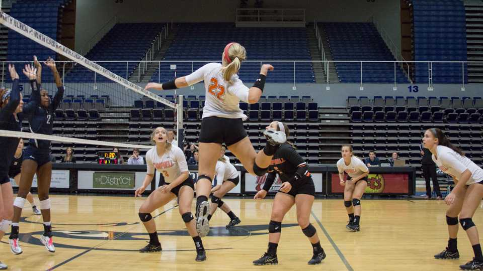 UNF women's volleyball team opens tournament by beating Bethune-Cookman and Campbell