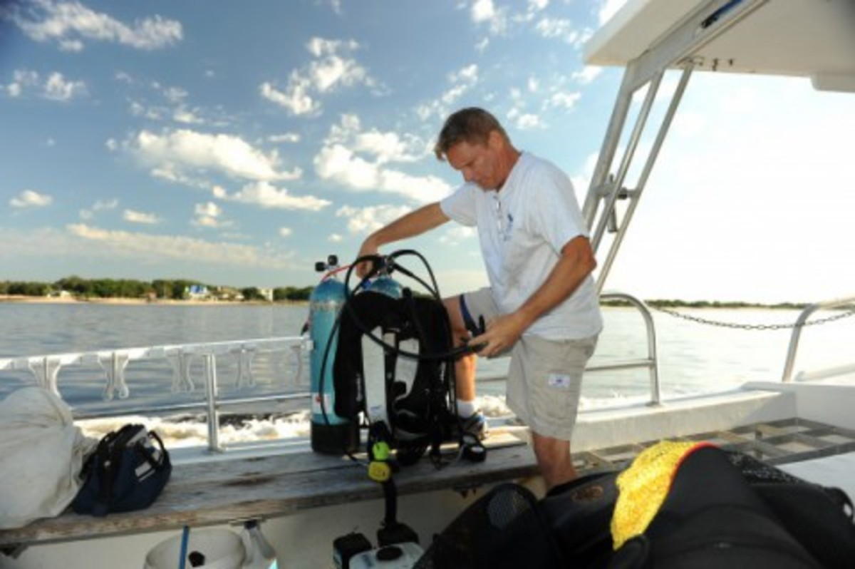 UNF professor receives $500,000 grant to develop surf rover