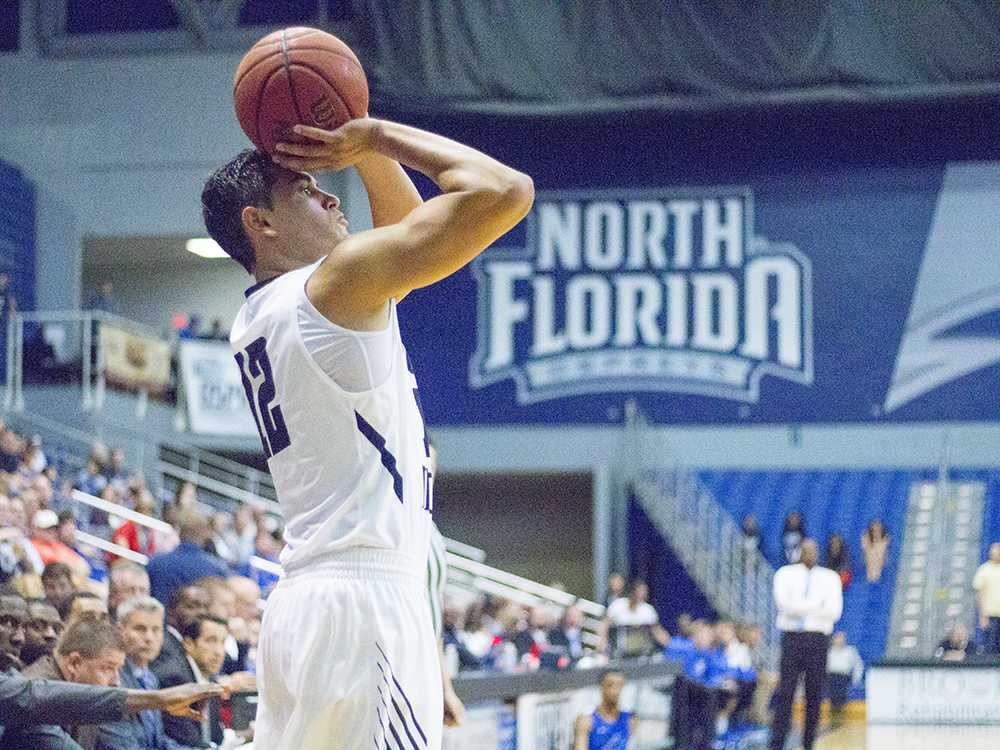 Guard Aaron Bodager nailed three-pointers throughout the game. Photo by Michael Herrera