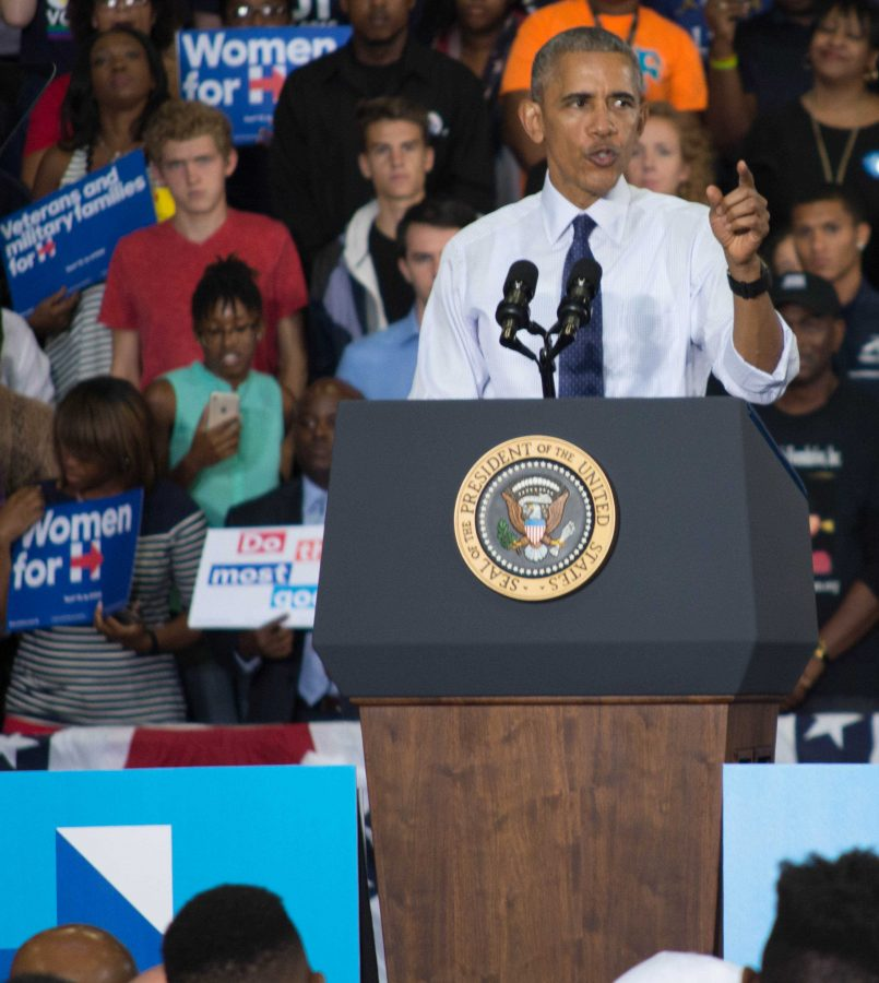First president to visit UNF swoops, speaks for Clinton campaign