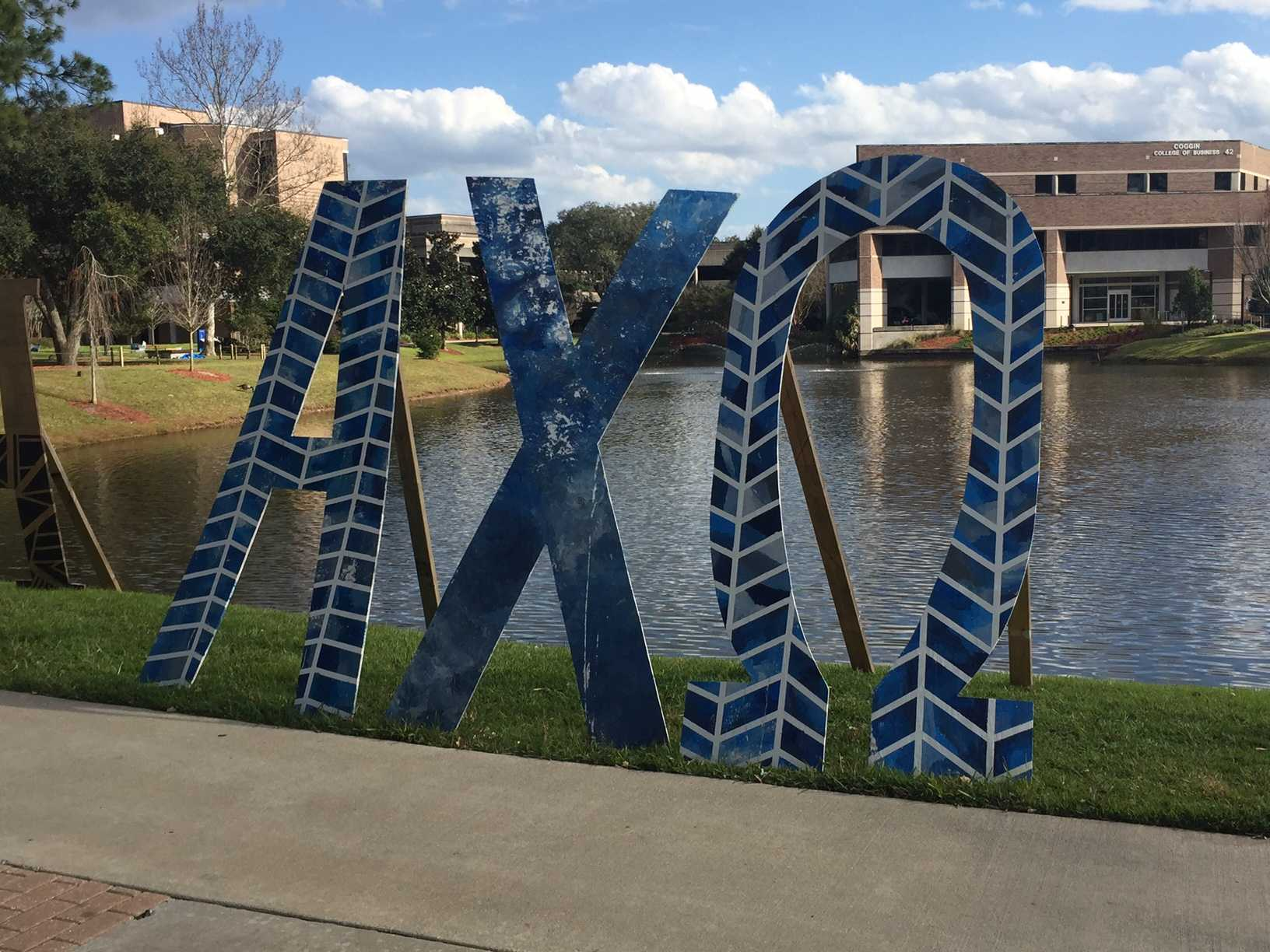 It's Greek to me: a guide to sororities and fraternities at UNF