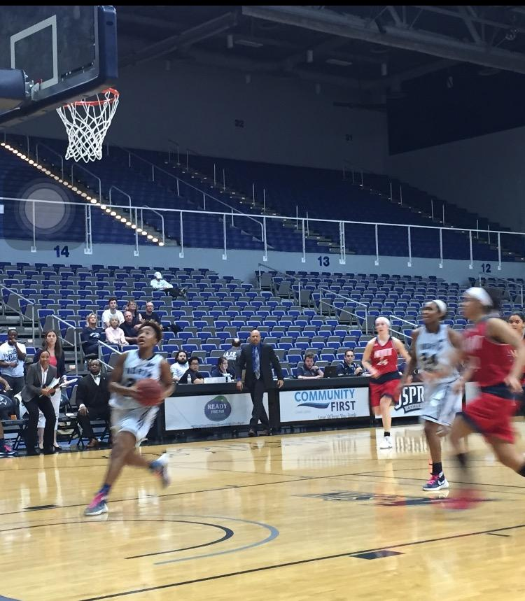 Kadesia Johnson drives to the basket to make a layup in the win against NJIT  Photo credit: Jordan Perez
