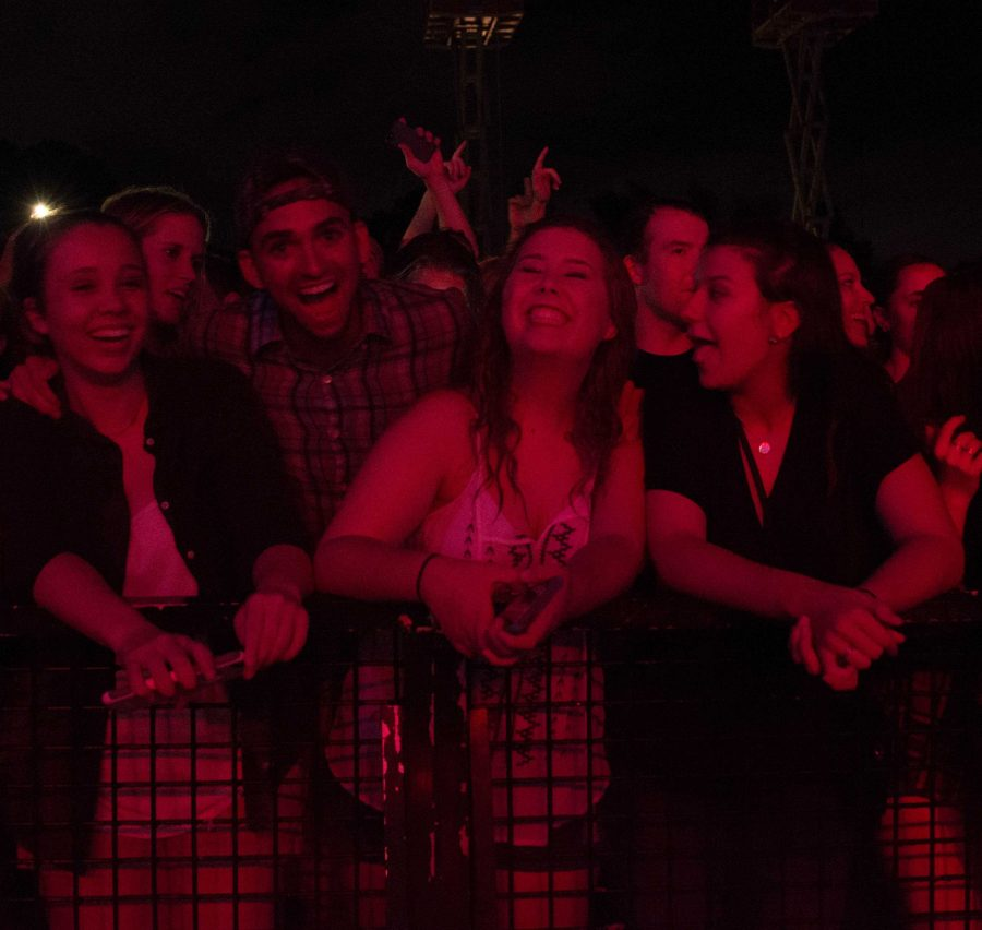 Students waited in the rain, eager to see Rodney Atkins hit the stage. Photo by Lili Weinstein