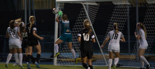 Goalie Victoria Ekeil had three saves. Photo by Lilli Weinstein