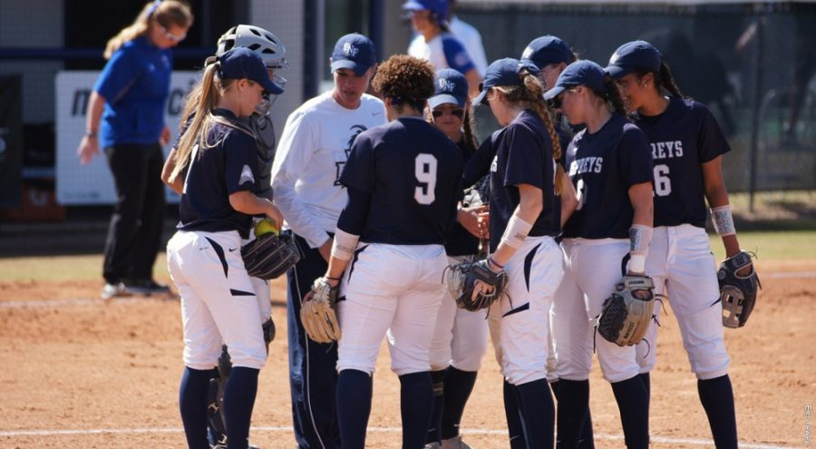 The UNF softball team. Photo courtesy of UNF Athletics.