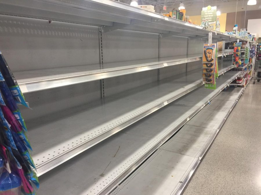 No water is available at the Town Center Publix. Photo by Mo Baker