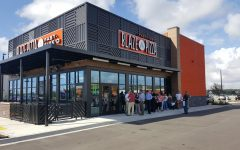 Blaze Pizza to offer $5 pizzas to students