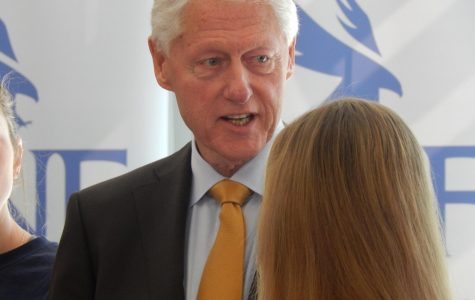 Don't go hungry: Former President Bill Clinton visits UNF