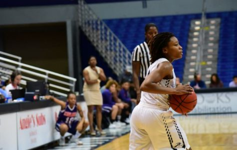 Women's basketball comeback and defeat Kennesaw State