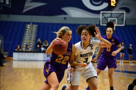 Women's Basketball pull out the upset over Florida Gulf Coast