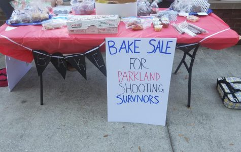 The UNF Social Work Club selling baked goods in order to raise money for the Parkland Shooting Survivors. <i>Photo by Valeree Del Guidice </i>