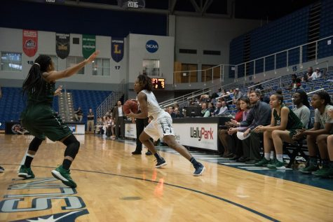 Women's Basketball Dominates Kennesaw State on the Road