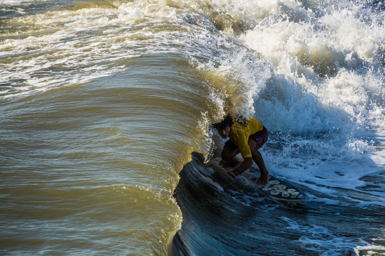 Surfer+Jerry+Schaefer+stalls+for+the+tube.