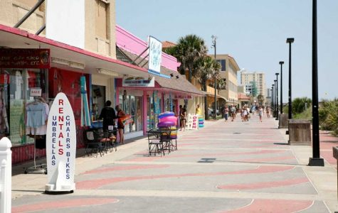 Jacksonville Beach mayor introduces proposal to potentially make certain beach restaurants close at midnight