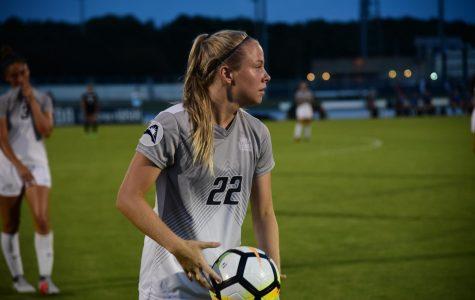 Women's Soccer falls to FGCU, 4-0