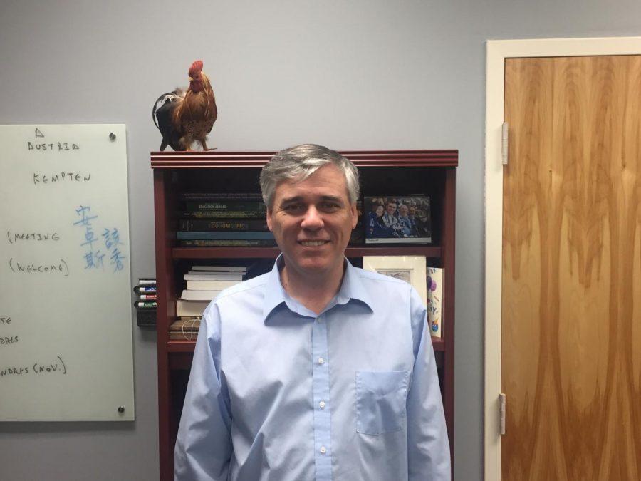 Professor Andres Gallo. Photo by Alan Vargas.