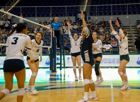 Volleyball defeats North Dakota in dramatic five set victory