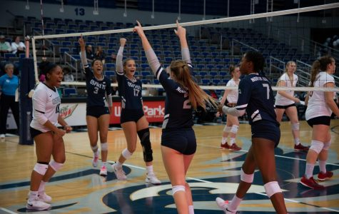 Photo Gallery: Volleyball win for North Florida