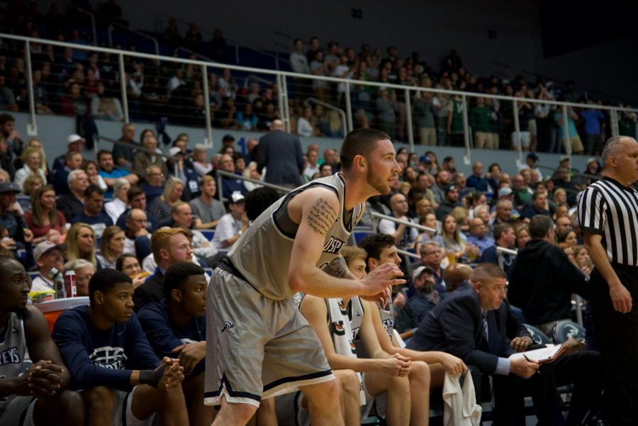 JT Escobar led the Ospreys with 26 points in the loss to Liberty.