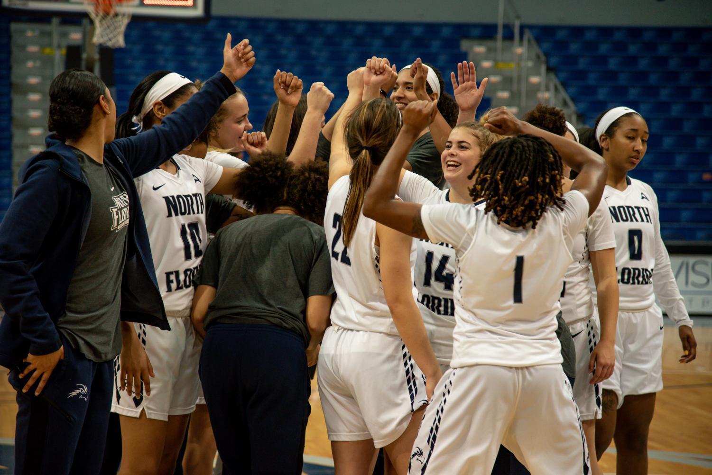 Womens+basketball+group