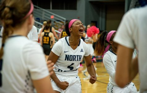 Emanuel-Wright and Bond shine in come-from-behind win over Owls