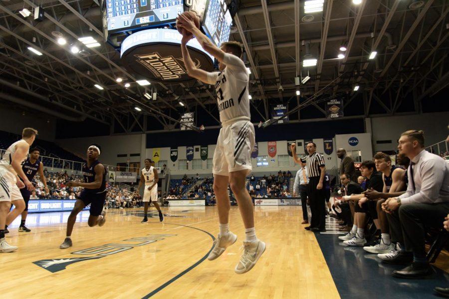 Men's basketball vs. North Alabama 2019
