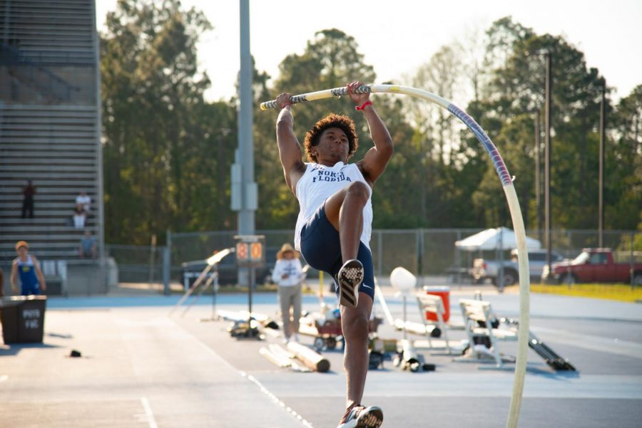 Austin Thompson UNF Track and Field