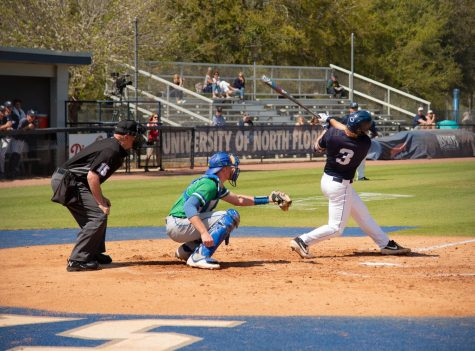 Ospreys fall to Flames in extra innings