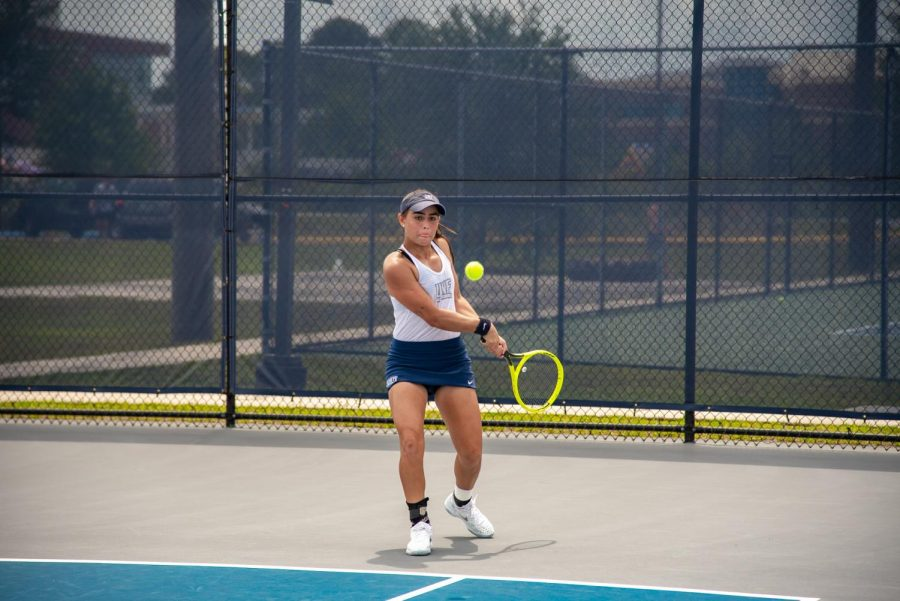 Freshman Ana Paula Melilo sets up for a volley.