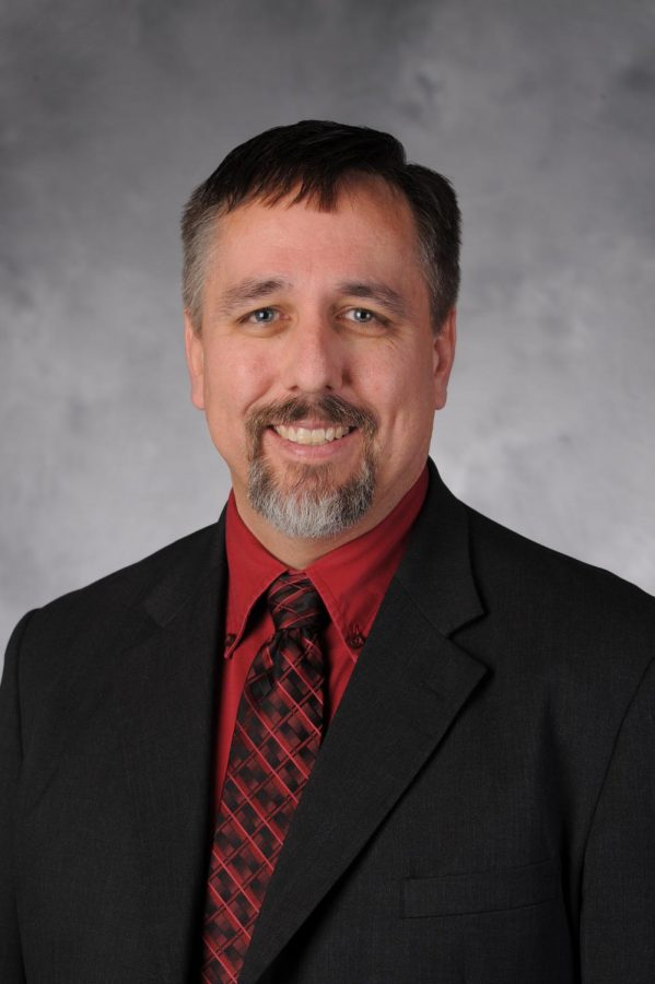 UNF welcomes new dean of Thomas G. Carpenter Library