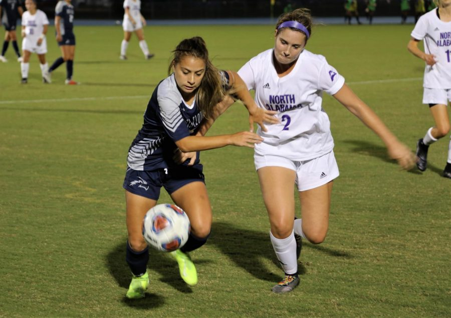 Oliveira nets lone goal in 1-0 shutout win