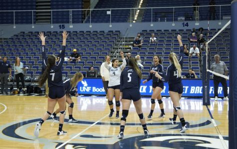 Ospreys clip Owls in four sets
