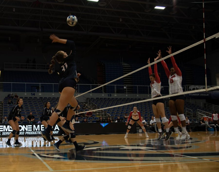 Flames take down Ospreys in four sets