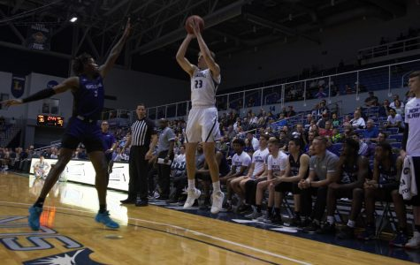 Late rally not enough for Ospreys in loss to Flames