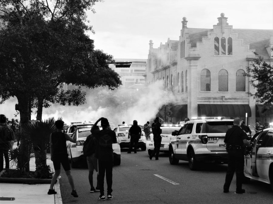 Jacksonville citizens gather downtown to join national BLM demonstrations; officer stabbed and cars vandalized