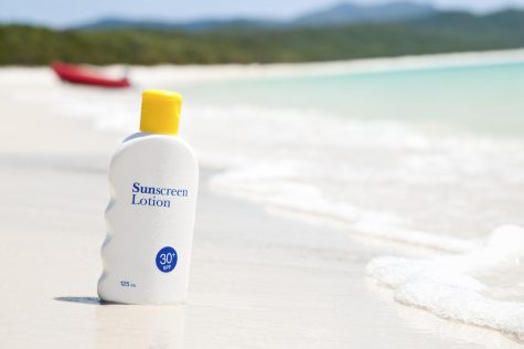 UNF professor talks benefits/myths of sunscreen