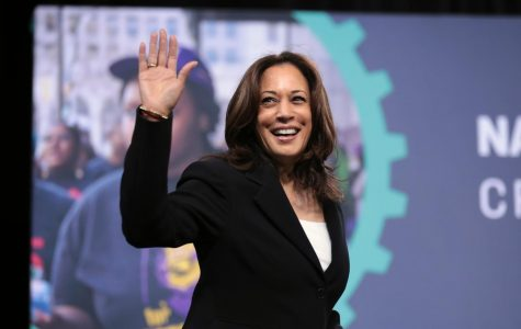 Senator Kamala Harris brings campaign to Florida